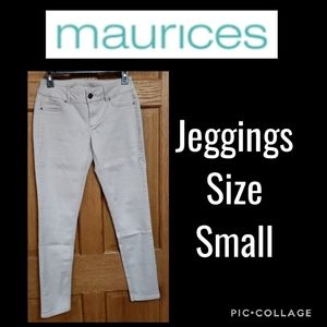 Maurices Light Khaki Jeggings Size Small